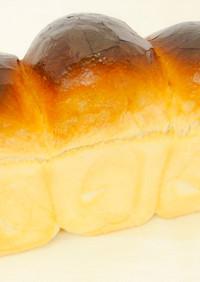 トーストにも最適!国産小麦粉の山型食パン