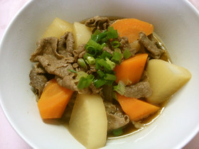 簡単 和食! 牛肉と 大根 人参の煮物