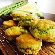 夏野菜アスパラとコーンのサクふわスコーンの写真