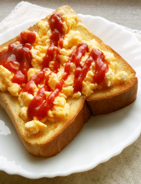 レンジで簡単♪濃厚チーズ卵☆トースト