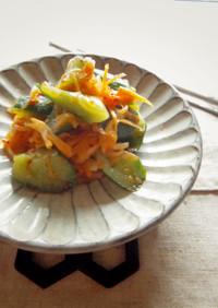簡単ピリ辛!*きゅうりと野菜のキムチ風*