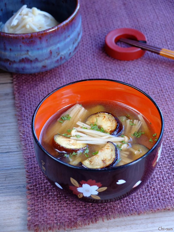 いつもと違~う☆茄子とエノキのお味噌汁!