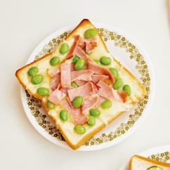 ハムと枝豆のチーズトースト