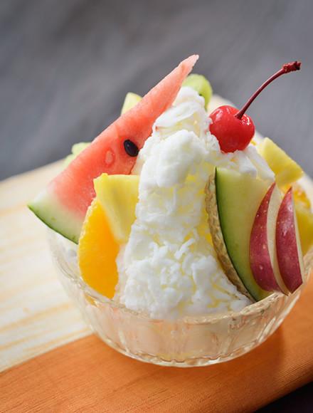 白熊風フルーツミルクかき氷