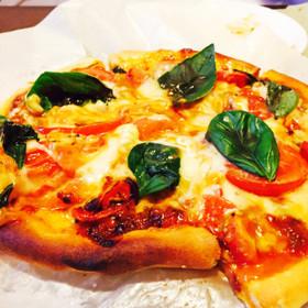 簡単♪チーズたっぷりマルゲリータ