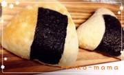 お弁当やランチに冷やご飯で♡おにぎりパンの写真
