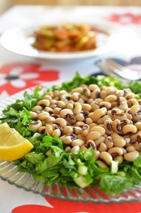 トルコ家庭料理☆パクチーと黒目豆のサラダ
