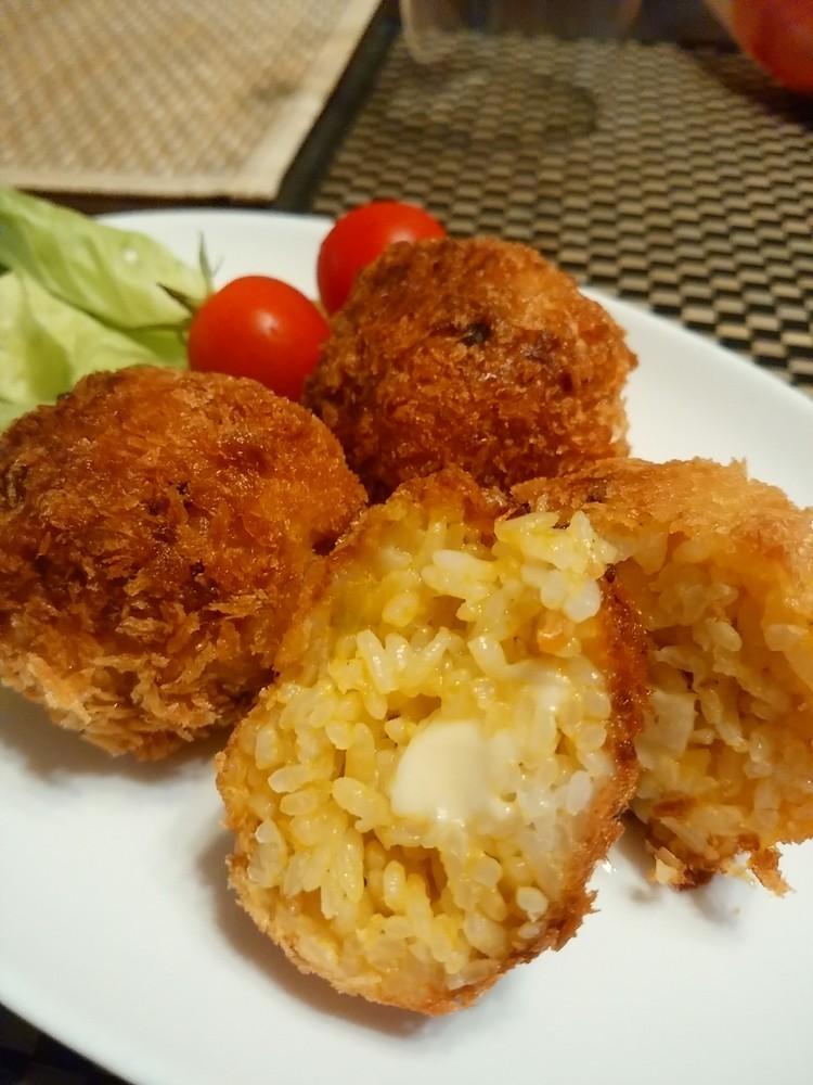 余ったお惣菜で☆チーズインライスコロッケ