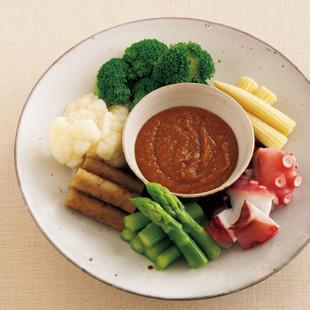 ゆで野菜とたこの芥子(からし)酢味噌添え