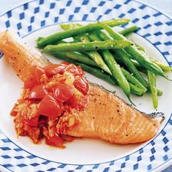 鮭のソテーキムチトマトソース