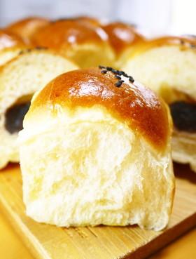 卵と牛乳♪ふわふわ粒あんパンのちぎりパン