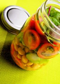 旬の夏野菜たっぷり!メイソンジャーサラダ