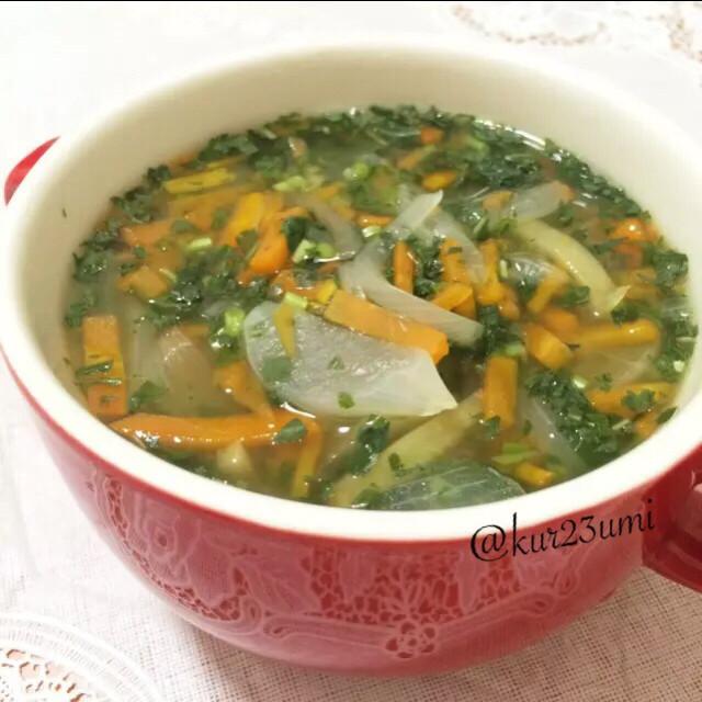モロヘイヤと野菜のスープ