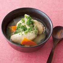 手羽先と根菜のあったかスープ