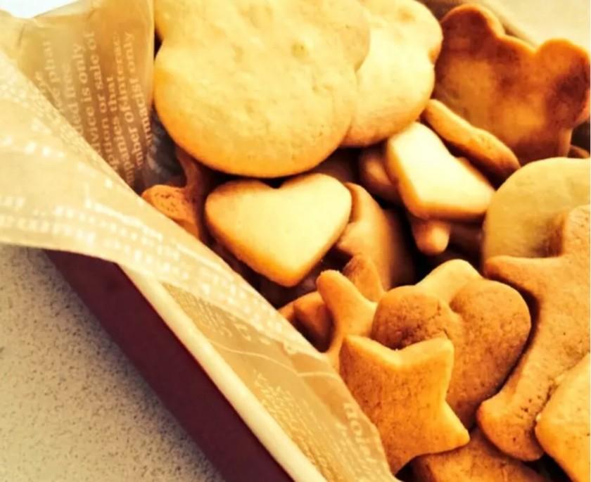 簡単!内緒にしたい型抜きサクサククッキー