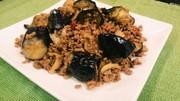 簡単⭐茄子と挽き肉のニンニク醤油炒めの写真