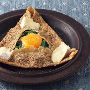 ほうれん草とカマンベールチーズのガレット