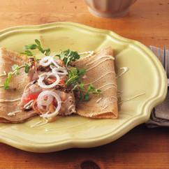 まぐろステーキと香味野菜のガレット