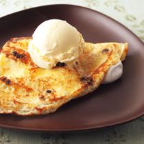 アイスクリームとマシュマロのクレープ