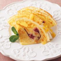栗とホイップクリームの桜クレープ