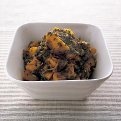 小松菜とじゃがいものカレー(サアグアルー北インド風)