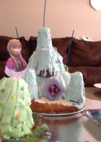 お城ケーキ*エルサの氷の城*