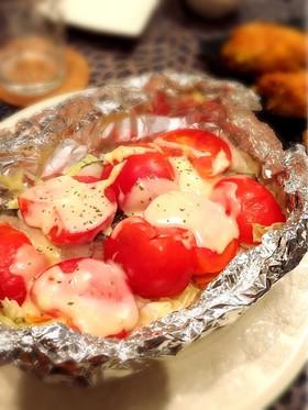 白身魚と丸ごとトマトのホイル焼き