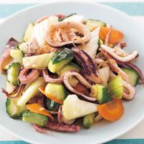 蒸しいかと夏野菜のサラダ