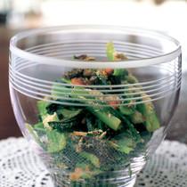 小松菜とプルーンとアーモンドのサラダ