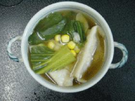 餃子と青梗菜のスープ