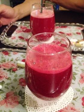 赤い野菜&果物でコールドプレスジュース♡