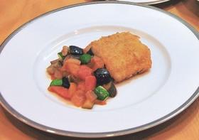 白身魚のフライ ラタトゥイユソース