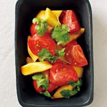 トマトとマンゴーのサラダ