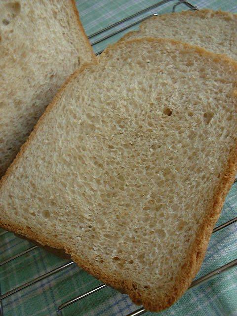 全粒粉がたっぷり◆ウチの食パン◆(HB)