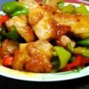 鶏モモ肉とピーマンの甘辛酢炒め