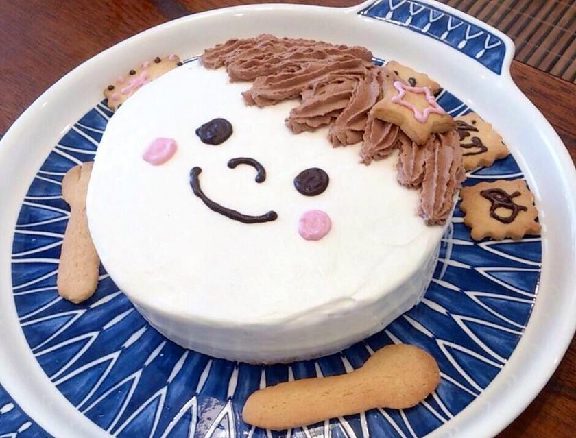 思わず笑みがこぼれる「お食い初めケーキ」