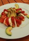 カプレーゼ風スモークサーモンのサラダ