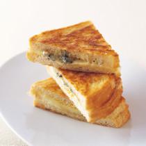グリルブルー&モッツァレラ サンドイッチ