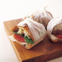 サラミ&ペコリーノチーズ サンドイッチ