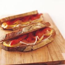 プロシュート&ローストパプリカ サンドイッチ