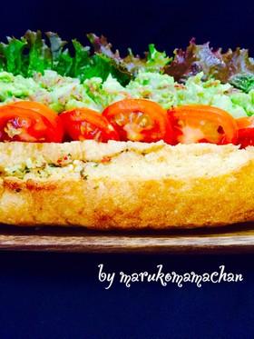 アボカドとコーンビーフのサンドイッチ