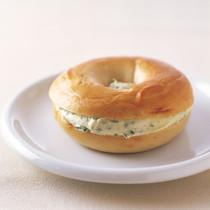 ベーグルwithスカリオン(ねぎ)クリームチーズ