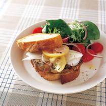 ハーブチキン&ペコリーノ サンドイッチ
