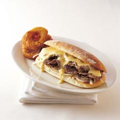 チーズステーキ サンドイッチ