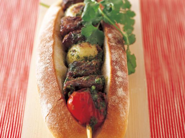 チミチュリビーフ串焼きサンドイッチ