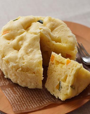 【レンジで簡単】南瓜とチーズの蒸しパン