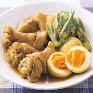 手羽元とゆで卵の和風カレー煮