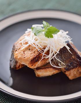 フライパン1つで秋鮭の甘辛生姜焼き
