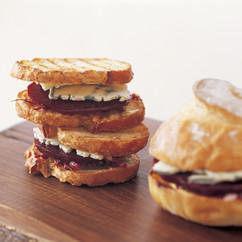 ローストビーツ&ブルーチーズ サンドイッチ
