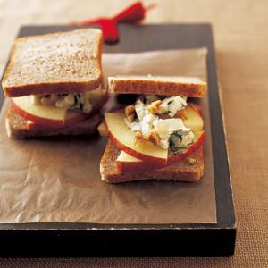 リンゴとブルーチーズ サンドイッチ